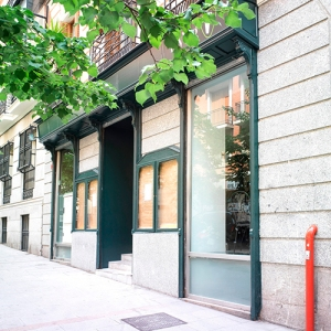 exterior-fachada-my-veg-malasana-triball-madrid-restaurante[1]